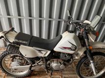 2009 SUZUKI DR200 MOTORCYCLE.