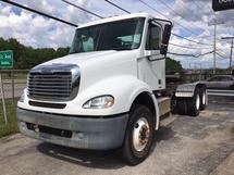 2005 FREIGHTLINER CONVENTIONAL CAB