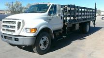 2005 FORD F750 STAKE BED TRUCK