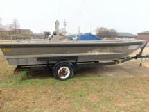 20 FOOT KANN BOAT AND TRAILER