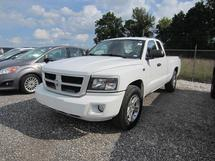 2011 DODGE DAKOTA - 4 PASS - 4X2 P/U