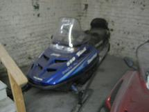 POLARIS SNOWMOBILE