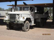 AMERICAN GENERAL M35A2 TRUCK WITH HOLE DIGGER