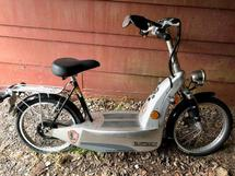 E-GO MOTORIZED BICYCLE/SCOOTER
