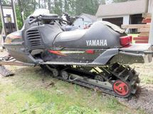 1995 YAMAHA SNOWMOBILE