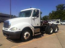 2005 FREIGHTLINER COLUMBIA CL12064ST